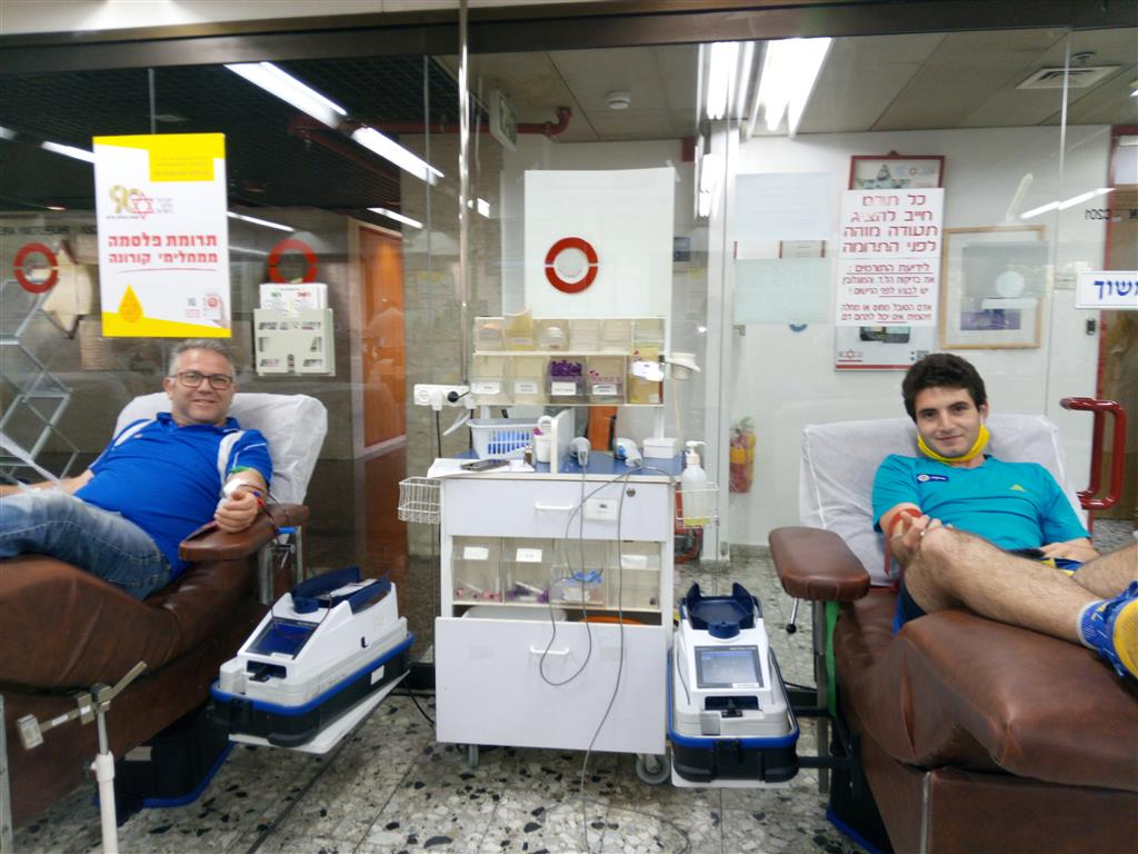 Yuval Tinder and his father Ze'ev Tinder, member of the IDF, donate on 11/06/2020 at the MDA Blood Services Center