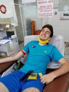 وصل يوفال تندر لأول مرة في 11/06/2020 في مركز خدمات الدم MDA
