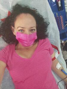 Vered Berkowitz hat am 6 Blut in der Itamar-Filiale von WIZO in Rishon Lezion gespendet