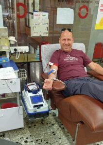 """ניר סטויצקי תרם דם ביום הולדתו, ה- 26/09/2021, במרכז שירותי הדם של מד""""א בתה""""ש"""